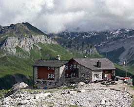 Photo of the Carschina Hut