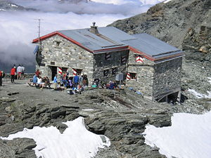 Photo of the Tracuit Hut