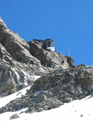 Photo of the Bertol Hut