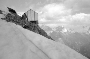 Photo of the Schalijoch Bivouac Hut